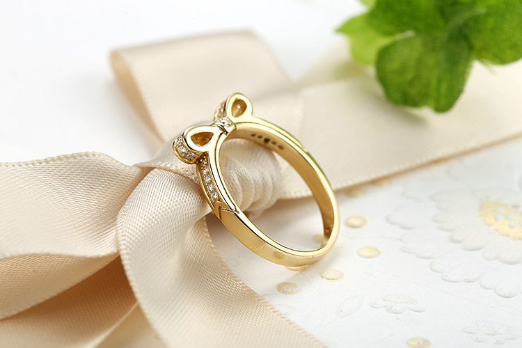 Women's Silver Sparkling Bow Knot Ring